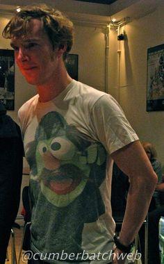 Benedict Cumberbatch wearing a shirt screen printed with Sherlock Hemlock
