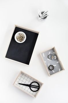 DIY-Wood Desk Organi