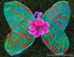 Make your pixie her own gossamer wings out of cellophane wrap!  So pretty!