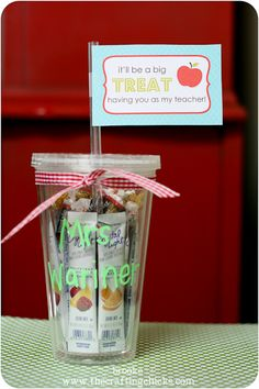 Back to School Teacher Treat Idea with Free Printable Tag at www.thecraftingchicks.com #backtoschool #teachergiftidea #freeprintable