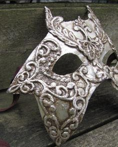 silver Venetian masquerade mask for man or woman, Etoile.