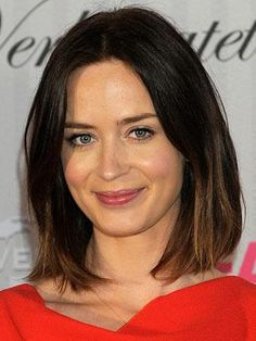Emily Blunt hair. Plain, shoulder length, lob, ombre, brunette. Simple makeup, dewy skin, healthy glow. (Photo 48 of 51)