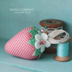 love strawberry pincushions - must make one!