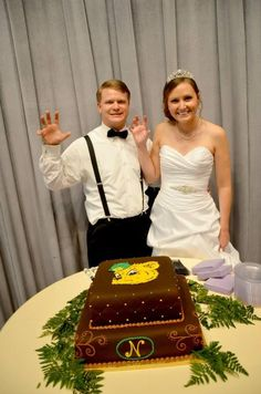 A #SailorBear wedding cake! (via the bride, KalPal24 on Twitter) #SicEm #Baylor
