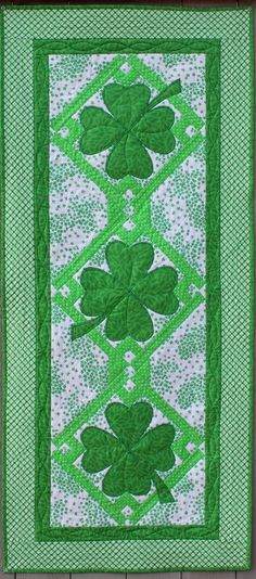 Lucky Shamrocks Table Runner & Placemats Pattern by Jo-Lydia's Attic