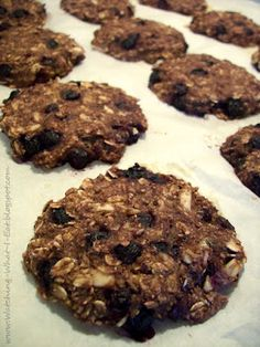 Blueberry Almond Banana Oat Breakfast Cookies(Healthy cookies-like a nutrigrain bar!! Healthy homemade breakfast on the go! also a really great website with lots of healty recipes). I need to try these.