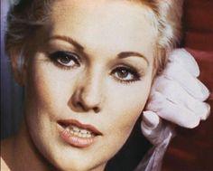 Kim Novak, 1957, singing my Funny Valentine in Pal Joey, neat subtle lipstick