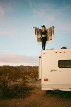 desert, soft grunge, road trips, dream life, boho, travel, birds, the road, happy campers