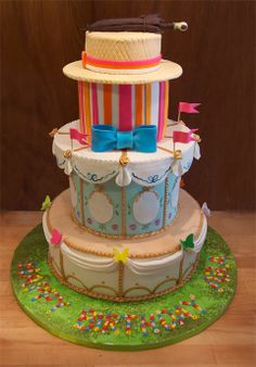Mary Poppins Cake! because I love Mary Poppins!  This better be at my next big bday party!