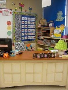 Teachers desk idea