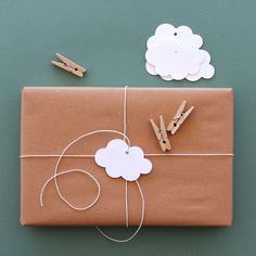 tag cloud, cloud tag, gift wrapping, kraft paper, diy gifts, baby shower gifts, gift tags, baby showers, simple gifts