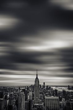 NYC/Empire State Bldg./Gray