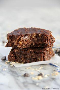 Healthy Breakfast Brownies | under 150 calories each