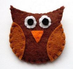 Owl brooch - see link for tutorial