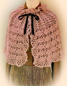 Stylish Easy Crochet: Cape Pattern For Women - Classic http://easy-crochet.blogspot.be/2013/12/crochet-cape-pattern-for-women-classic.html