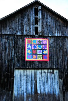 nice quilt design on an old barn