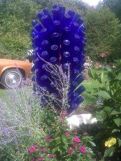 bottle tree...so stinkin' cool