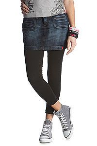 Yes, yes, yes!! Denim Skirt with leggings and grey converse