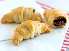 6 easy breakfast recipes with only 3 ingredients each! chocol croissant, breakfast recip