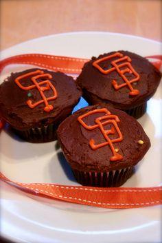 SF Giants Cupcakes