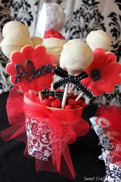 Display cake pops