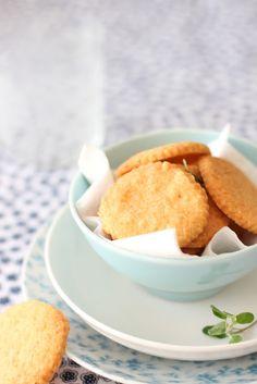 * Galletas de queso picantes