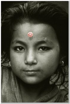 Nepali Girl, by Osvaldo Zoom