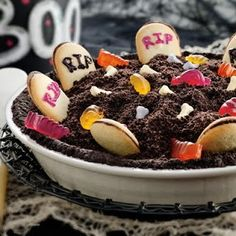 halloween desserts, halloween stuff, halloween parties, spooki graveyard, dirt cake, halloween foods, halloween cakes, pie, treat