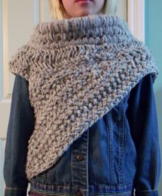Katniss Crochet Cowl Pattern | Knot Obsessed