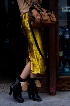 unexpect color, long skirts, black boots, street styles, color combinations, yellow, motorcycle boots, bold colors, eyes