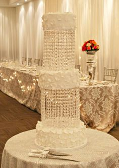 make a statement with a smaller cake