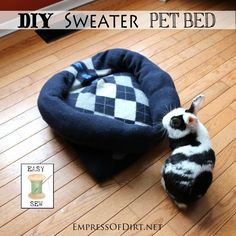 DIY Sweater Pet Bed  - make your own in 1 hour | empressofdirt.net