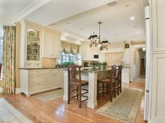Traditional Kitchen Photos Kitchen Curtains Design Ideas, Pictures, Remodel, and Decor - page 3