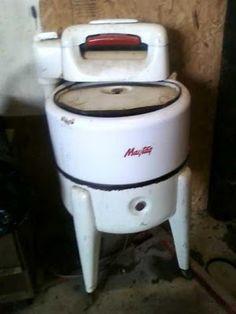Old Fashioned Wringer Washing Machine
