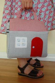 Fabric dollhouse tutorial.