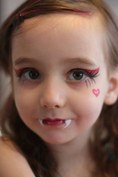 Nadine's Dreams Photo Gallery - Draculaura face paint   Monster High Face Paint