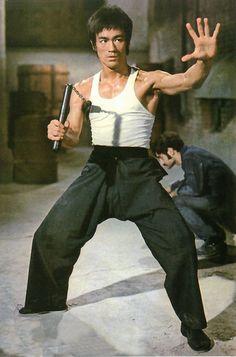 World Martial Arts Bruce Lee Iconic Pose