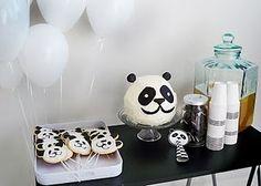 panda cake by pink peach cakes. birthday parti, panda cake, peach cake, pink peach, parti idea, panda parti, pandas, panda party, birthday cakes