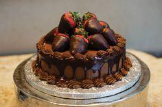 Simple groom's cake. Love it. idea, chocolates, chocolate covered strawberries, chocolate strawberries, cakes, simple groom cake, cake chocol, simple grooms cake, grooms cake simple