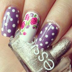 25 Amazing Flower Nail Art Designs http://www.ahaishopping.com/
