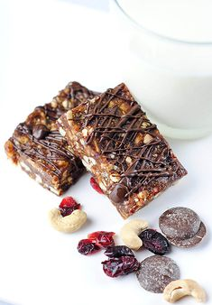 Chocolate Cherry Cashew Bars