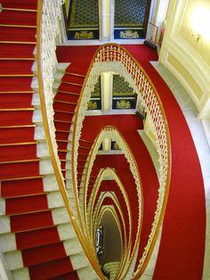Red carpet treatment. #DestinationGlam