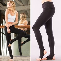 Loving these leggins for a barre, Pilates, or yoga class.