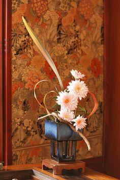 Ikebana by stshank, via Flickr