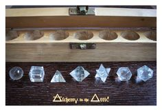 7 piece Clear Quartz Crystal Sacred Geometry Set - Chakra Healing with Merkaba Star and Wooden Box - Reiki Tetrahedron