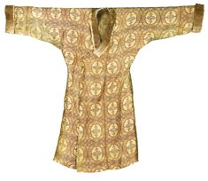 A MAGNIFICENT SILK LAMPAS ROBE , CENTRAL ASIA, 11TH/12TH CENTURY
