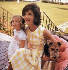 Caroline and Jackie Kennedy.  (Photo: Jacques Lowe)