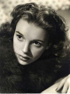 Judy Garland 1941 -  Photo by Eric Carpenter