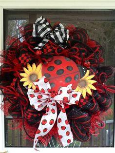 ladybug wreath, mesh wreath, diy ladybug decorations, wreath idea, craft idea, wreathsswagsdoor decor, mesh ladybug, summer mesh, wreathsconcehang floral