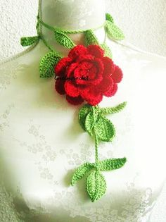 Crochet Jewelry, Flower Necklace in green red  -  Such a cool idea!  No instructions